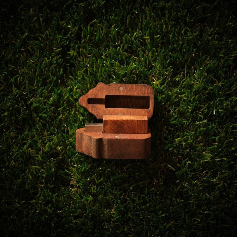 Cutie stick personalizat din lemn B1